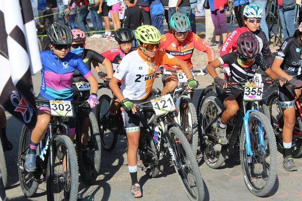Tricampeona de Ciclismo de Montaña y Ruta Orgullosamente Santiaguense